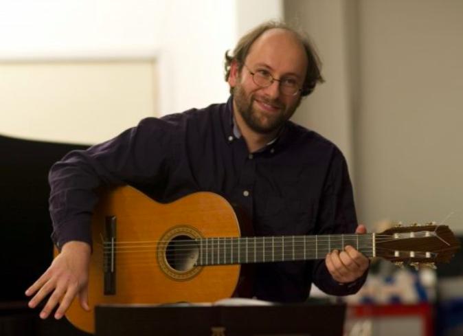 Combiconcert 1  Matthias Kadar – zang en gitaar