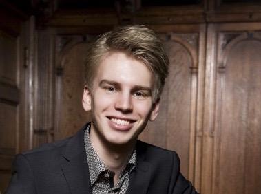 Ramon van Engelenhoven - pianoOp naar de top Ramon van Engelenhoven - piano